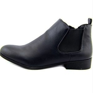 • chelsea boots •